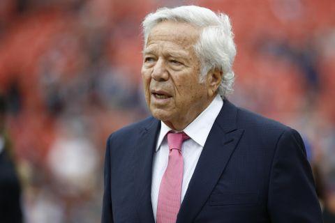 NFLオーナーが1億円超を寄付