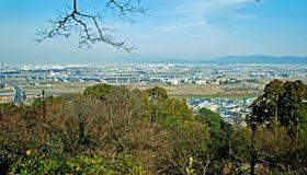 整備後の男山展望台。電柱が低くなり、京都方面の眺望が良くなった(八幡市八幡)