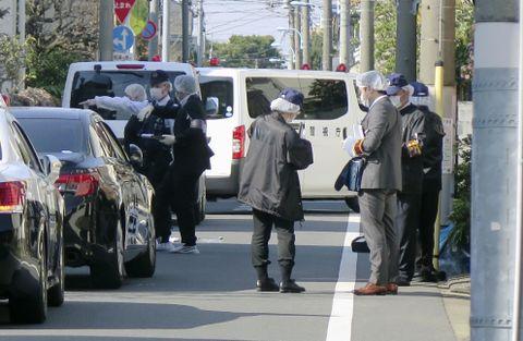 アパートで女性刺され死亡、東京