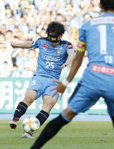 川崎―広島 前半、先制ゴールを決める川崎・田中=等々力