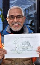 建立を目指す宮沢賢治詩碑のイメージ図を示し、資金協力を呼び掛ける佐々木格会長
