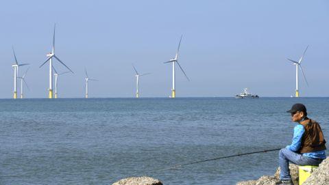 台湾で洋上風力発電完工