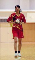 ハンドボール日本代表に初めて選出された大体大の中山佳穂=大阪市東淀川区、大経大