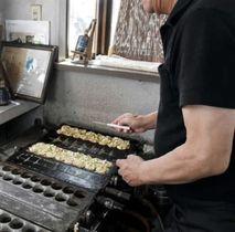 輸入タコの仕入れ値の高騰で、苦渋の値上げに踏み切ったというたこ焼き店=熊本市東区