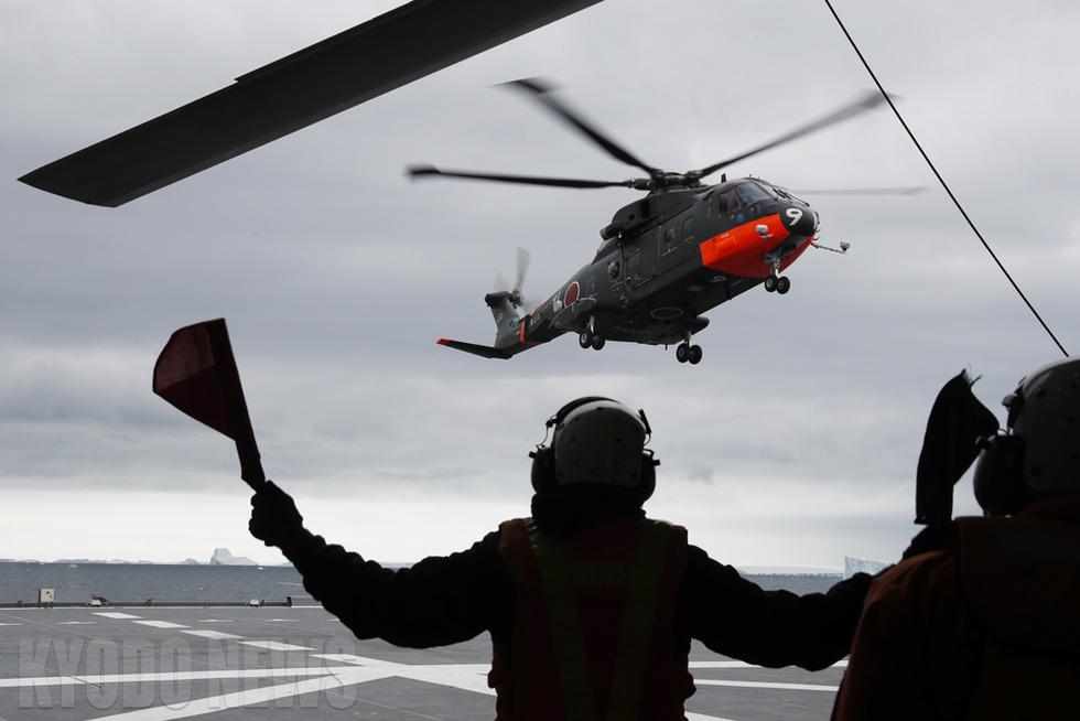 海自輸送ヘリ、任務完了!