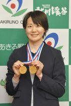 全日本テコンドー選手権大会で2冠を達成した田中さやかさん=あきる野市で
