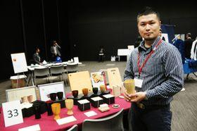 「注目の匠」に選ばれた和歌山県の伝統工芸士、東福太郎さん=17日午後、東京都中央区