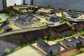 廃城となった頃の三木城の模型