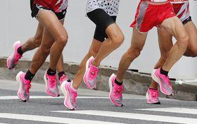 東京五輪マラソン代表選考会でナイキの厚底シューズを履く選手=2019年9月