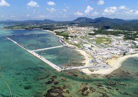 米軍普天間飛行場の移設工事が続く沖縄県名護市辺野古の沿岸部=6日(小型無人機から)