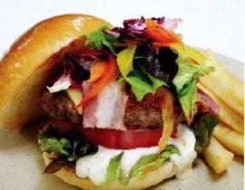 いろどりおやさいバーガー(淡路ファームパークイングランドの丘コアラ島バーガー、1日30食、1080円)