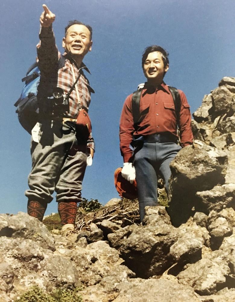 八ケ岳での天皇陛下=1986年8月(硫黄岳山荘の浦野栄作さん提供)