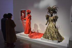 美空ひばりが着用した衣装も飾られる=水戸市五軒町の水戸芸術館現代美術ギャラリー