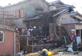 【遺体が見つかった火災現場=津市藤方で】