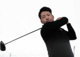男子ゴルフで学生2冠に輝いた大院大の砂川公佑=神戸市西区、滝川第二高
