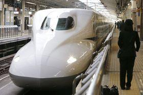 東海道新幹線の「N700A」=2013年、JR東京駅