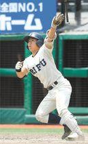 利府-石巻 6回裏利府1死三塁、阿部が左越えに2点本塁打を放ち、6-5とする