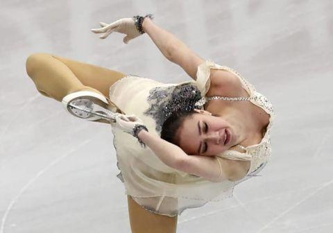 欧州選手権、女子ショートプログラムで演技するザギトワ選手=23日、ミンスク(AP=共同)