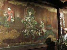 舎利殿裏堂に描かれた韋駄天の壁画。3月に初公開される(京都市東山区・泉涌寺)