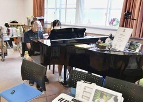 懐かしい歌に身体が反応 音楽療法で認知症に効果 家族にも介護のやりがい