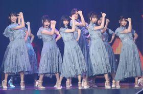 公演前日の26日、台北市内のイベントに出演した乃木坂46(中央通信社=共同)