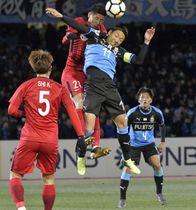 【川崎-上海上港】後半、川崎・小林悠がヘッドでゴールを狙うも得点ならず