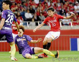 浦和―広島 後半31分、浦和の李(20)がゴールを決める