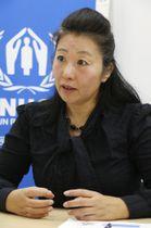 インタビューに応じる国連難民高等弁務官事務所アレッポ事務所長の高嶋由美子さん