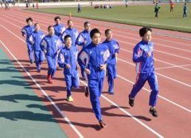 レースに向け最終調整する岡山県チーム=コカ・コーラボトラーズジャパン広島スタジアム