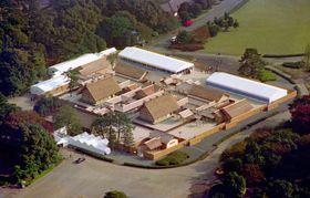 皇居・東御苑に造営された大嘗宮=1990年11月