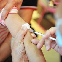(資料写真)はしか対策で予防接種