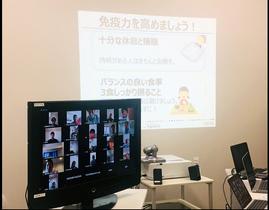 J2長崎がウェブ会議システムを活用して行った新型コロナウイルス感染予防の研修会(V・ファーレン長崎提供)