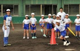 女子プロ野球 兵庫ディオーネ野球教室 淡路・津名地域の児童参加