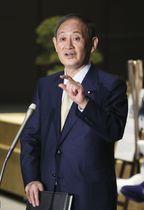 首都圏1都3県に発令中の新型コロナウイルス緊急事態宣言について、2週間程度再延長する意向を表明する菅首相=3日午後、首相官邸
