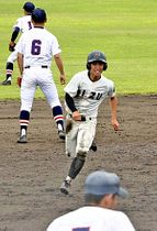 亡き母親に勝利を届けようと、全力プレーをする会津の山内選手