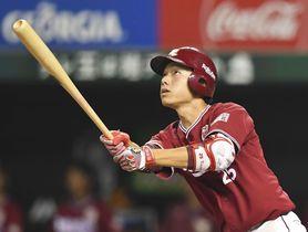 8回楽天1死、田中が左越えに満塁本塁打を放つ=メットライフドーム