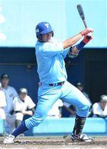 【決勝・JR秋田―TDK】1回裏2死一、三塁、TDKの深江が先制の右前適時打を放つ