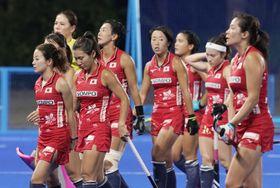決勝でインドに敗れ、肩を落とす日本=大井ホッケー競技場