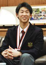 「チームを勝たせることができる選手になりたい」と語る湯沢選手=足利市役所で