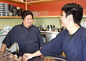 「日常を取り戻す大きな節目になる」と期待する大清水さん(左)=浪江町