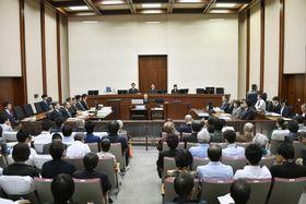 東京電力旧経営陣3人の第31回公判が行われた東京地裁の法廷=17日午前