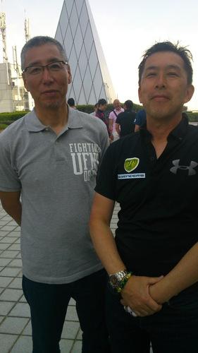 U―59ersの坂本さん(左)とOVER40LEGENDERSの松本崇利さん=12日、王子スタジアム