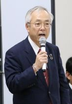 地域連絡協議会で12月着工を正式表明した河野学長=長崎大坂本キャンパス