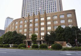文化庁が入る「旧文部省庁舎」(手前)=東京・霞が関