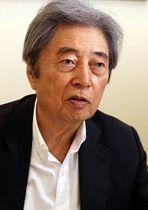 インタビューに答える細川元首相=東京都港区で2017年10月2日、太田康男撮影