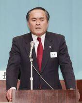 社民党大会であいさつする吉田党首=24日午後、東京・永田町