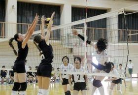 バレー 兵庫県高校女子チーム、露の姉妹都市選手と親善試合