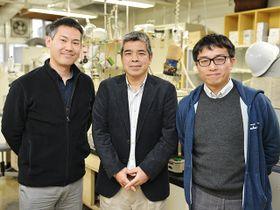 糖鎖の化学合成に成功した研究チームの(左から)今村彰宏准教授、石田秀治センター長、田中秀則助教=岐阜市柳戸、岐阜大