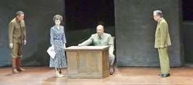 舞台「Sing a Song」に出演する戸田恵子さん(左から2人目)ら=高松市、サンポートホール高松大ホール